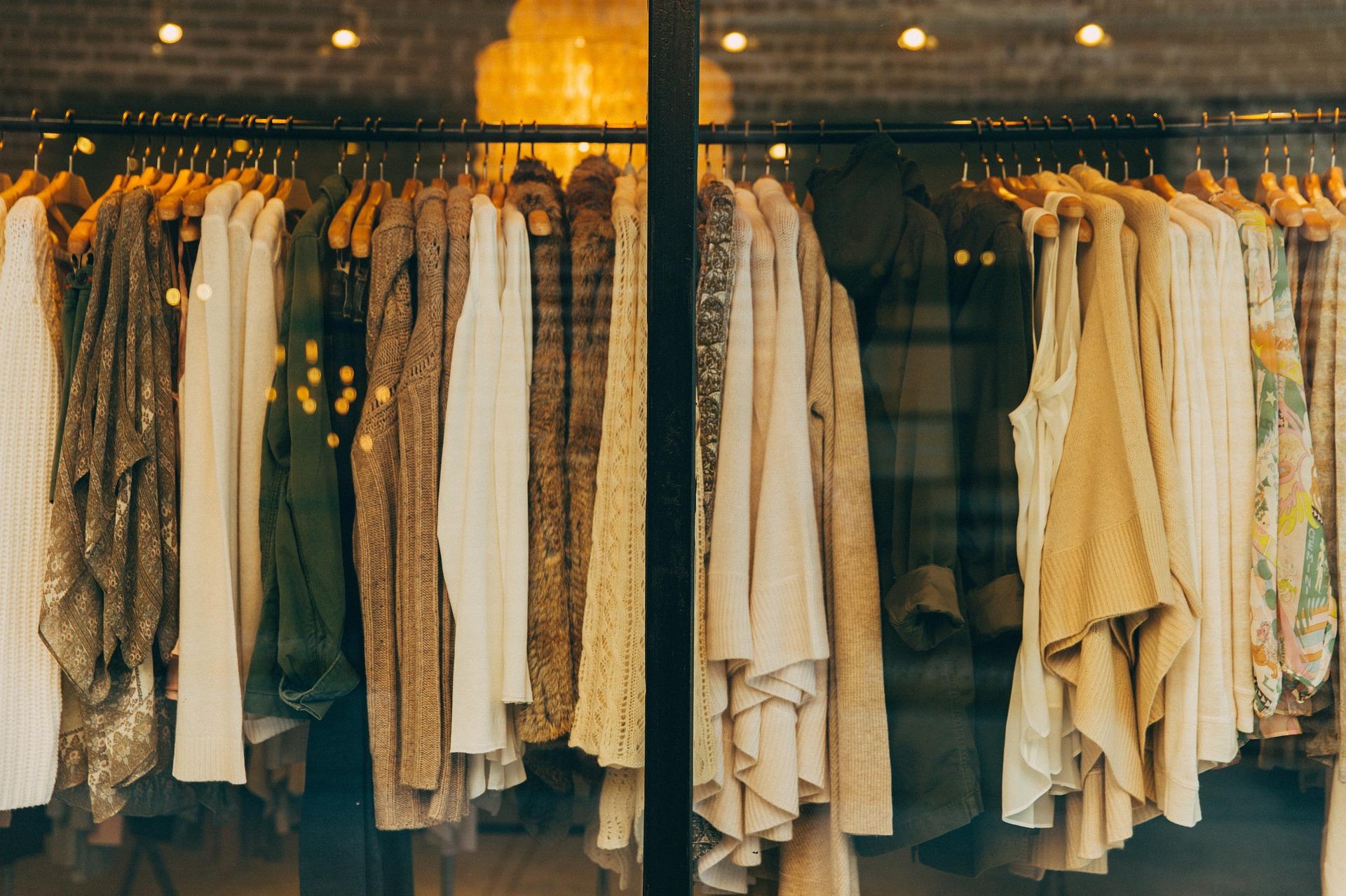 Poznanianki coraz chętniej kupują odzież z certyfikatem Sprawiedliwego Handlu